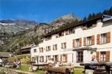 Albergo Hotel Alpino di Montagna nella natura